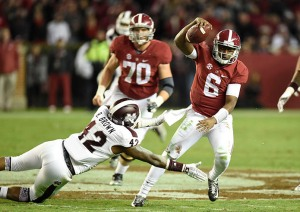 Alabama QB Blake Sims runs for a 1st down against Mississippi State.
